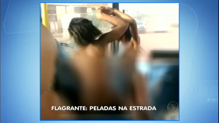 Mulher Procurando No Facebook Coimbra-6666