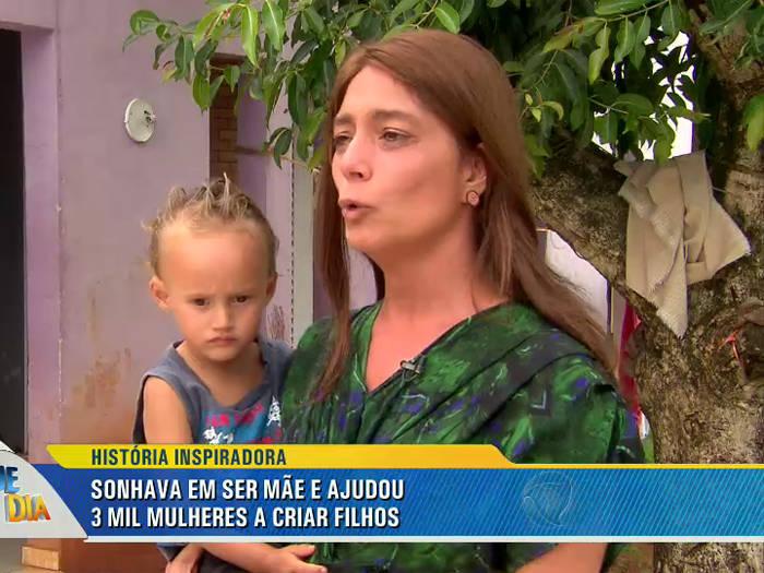 Mulher Procura Ajuda Econômica Em 2018 Caniço-7759