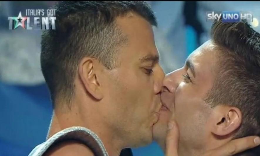 Procuro Casal Gay Na Itália-9560