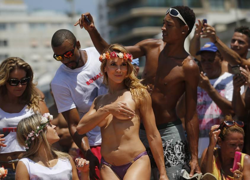 Procura Mulheres Less Dominican Republic-5655